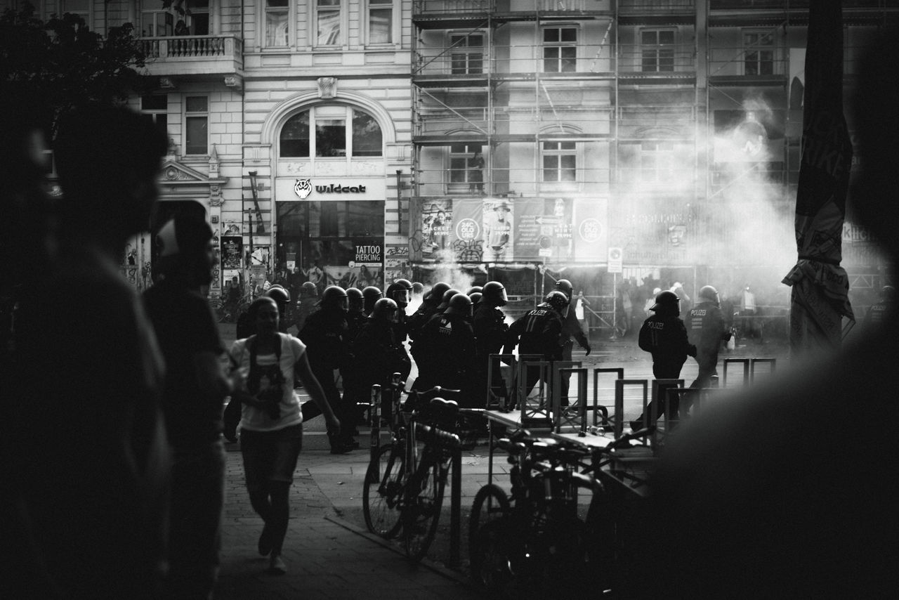 escalated. Large Group Of People Building Exterior Built Structure Architecture Real People Leisure Activity People Men Women Night Outdoors Lifestyles City Adults Only Crowd Adult G20 Summit G20 Gipfel The Week On EyeEm G20 Hamburg City Sternschanze Politics And Government Hamburg Polizei