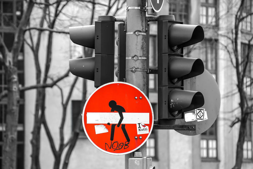 Heavy sign ..... Ampel Close-up Colorkey Communication Control Day Focus On Foreground Keycolor Kreuzberg Nature No People Outdoors Red Road Sign Signal Stop Sign Traffic Lights Warning Sign Capture Berlin Krull&Krull Images Colorkey