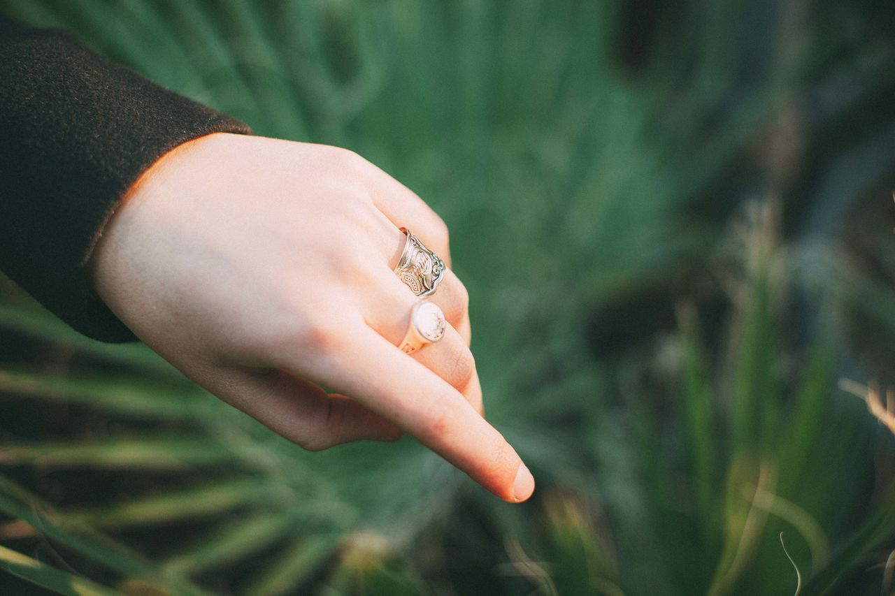 Close-up Fingers Green Hand Human Hand Nature Rings