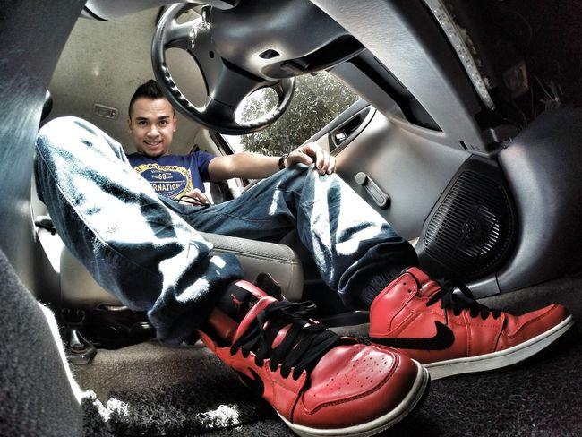 sneakin down low Air Jordan 1 Snkrfrkr #sneakerhead #solecollector #solecheck #solecontrol #solecontrolfam #kicksology #kixnation #walklikeus #lacebag #sneakersociety #sneakerporn GoPro Hero3+ Jumpman23