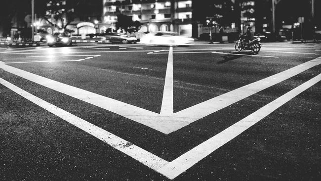 Head on.. Singapore Blackandwhite Photography Monochrome Nightphotography Urban Exploration Streetphotography MotionCapture Night Lights Discover Your City Blackandwhite