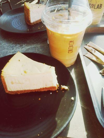 Starbucks Coffee ☕ Cheese Cake Coffe Cheesecake♥ Taksim Istiklal Taksim Taksim Meydanı Niceday Haveaniceday Doyoulikeit? Withlove❤️ Love ♥ Turkey Omg Soromantic Chocolate Itwasgood Justlookingforrandomhashtags