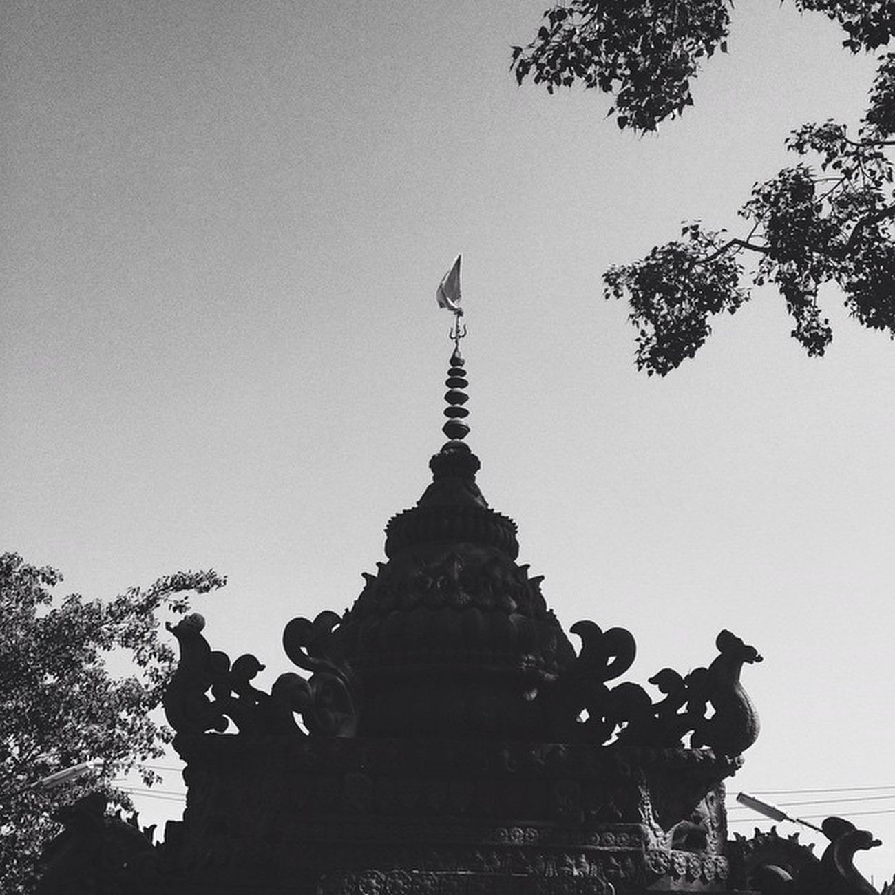🙏 Temple India India_gram Indiapictures Everydayindia Trishul Tree Sculpture God Holy Silhouette Shadow Blackandwhite Bnw Minimal Insta_vibrant Communityfirst Whilechasingthelight  Mobilemag Iphoneasia Visual_diaries Socality VSCO Vscoindia Justgoshoot