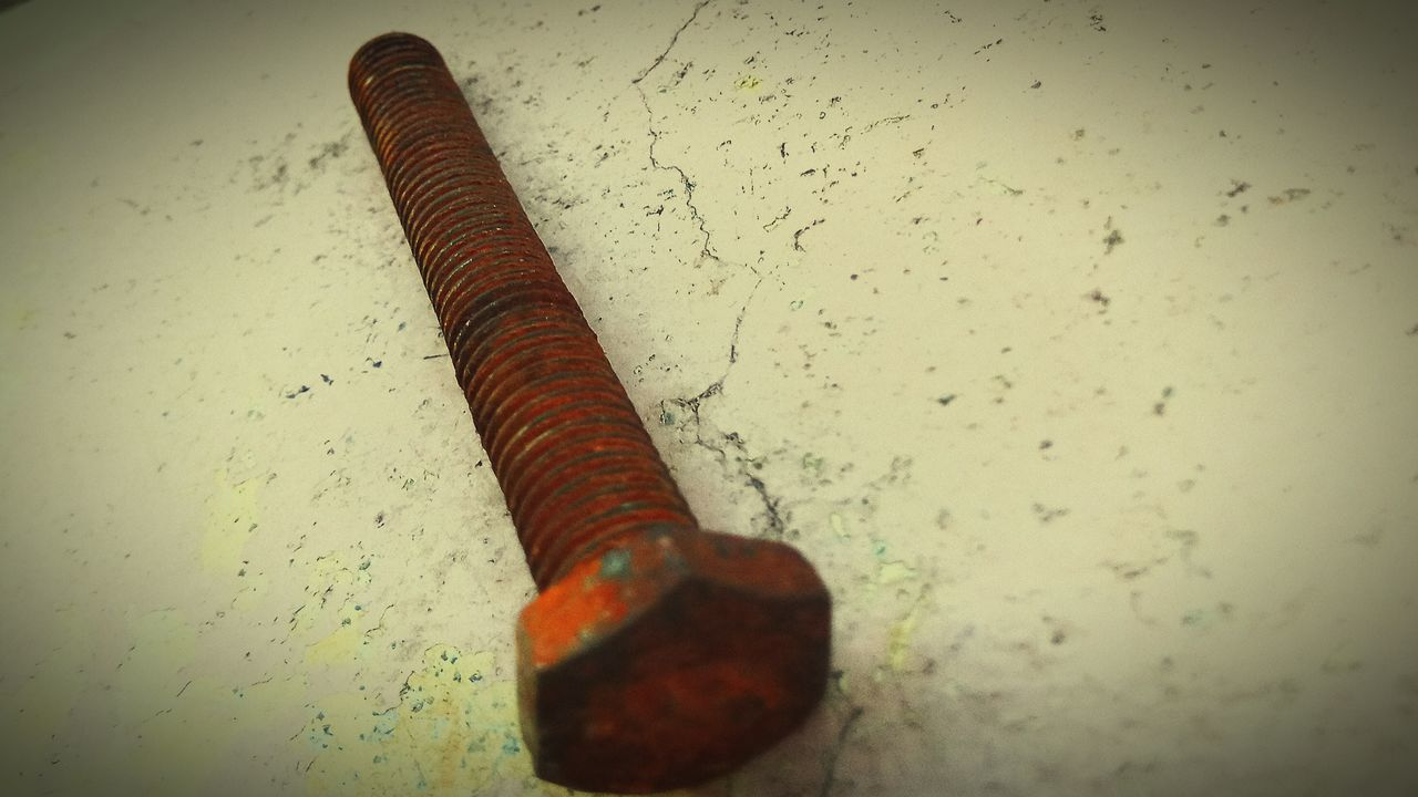 no people, indoors, vignette, close-up, rusty, day