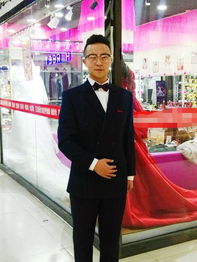 look of the day One Man Only Only Men Archival Mature Adult One Mature Man Only Nightlife One Person Mature Men Suit Adults Only People Tuxedo Indoors  Night Adult Men Red Carpet Event