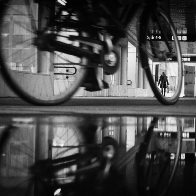 Capturing Motion Bicycle Blurred Motion Cycling Black And White Transportation Streetphoto_bw Shootermag EyeEm Best Shots - Black + White Bw_collection CyclingUnites