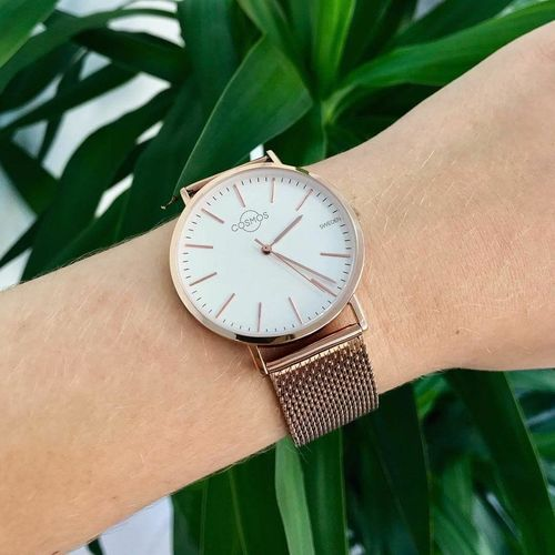 """Da Vinci once said: """"Simplicity is the ultimate sophistication"""". The Cosmos Watches will be soon available to buy with worldwide free shipping! Time Human Body Part Minute Hand Wristwatch Human Hand Watch Clock Clock Face Accuracy Hour Hand Close-up People First Eyeem Photo"""