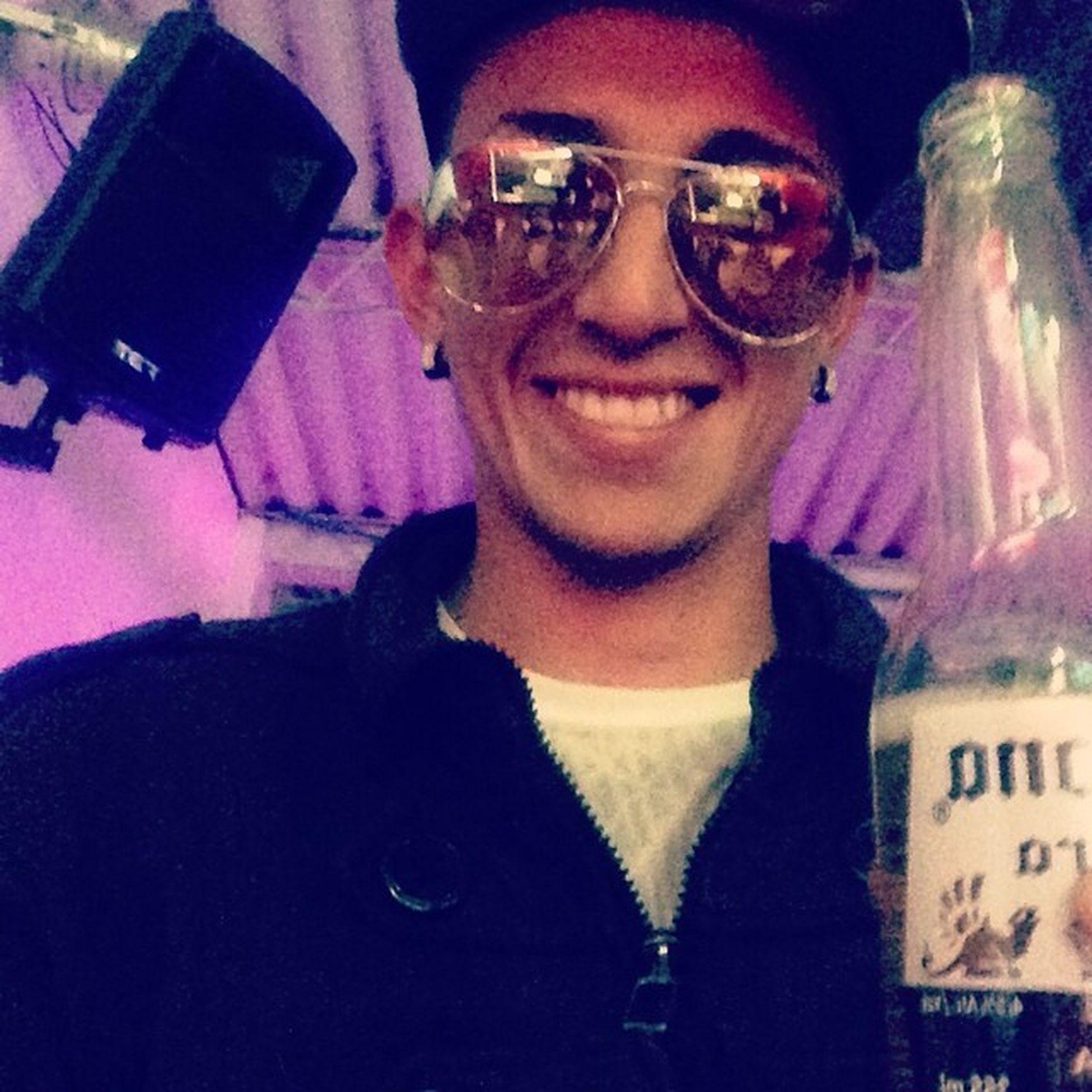 Happy Smille Music Urban Reggaeton  Bogotaenlacasa Colombia Coronas Celebrity Heavy Drink Bogotacity Friday Oxigeno1004 Bogopauta Colombiagana Likegram