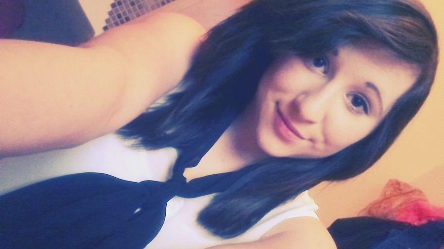 Stur lächeln und winken und bei manchen einfach nur Kopfschuss denken . Portrait Selfie ✌ Hi!