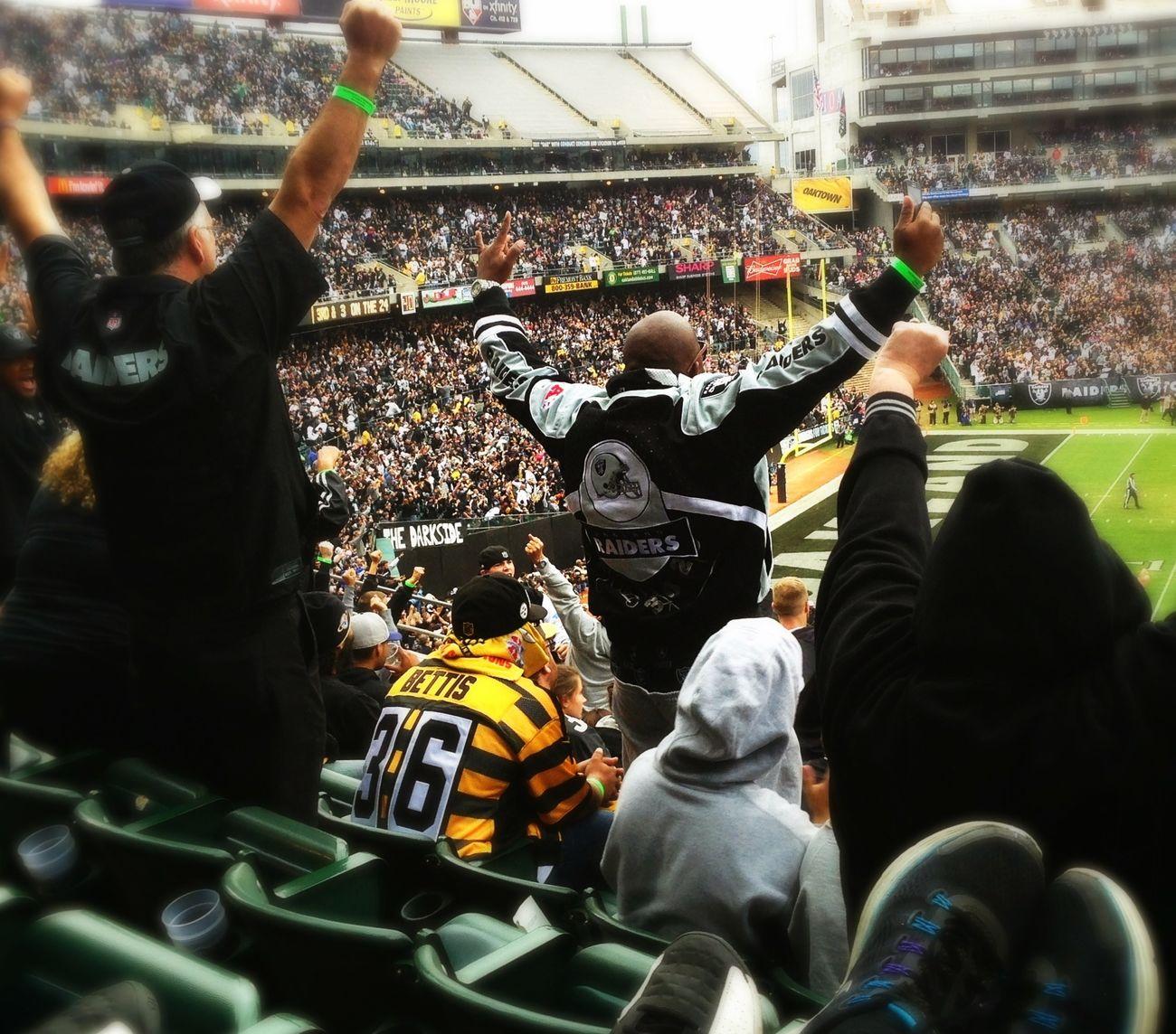 Raiders winning... :) Oakland Raiders Like A Boss Cheering