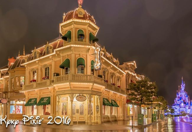 Architecture Building Exterior Built Structure Low Angle View City Illuminated Façade Sky Outdoors Architectural Feature Exterior Memories City Life Disneylandparis Waltdisney Disneyland Resort Paris Disneyland Paris Hdrphotography HDR History Famous Place Architectural Column No People Government Building
