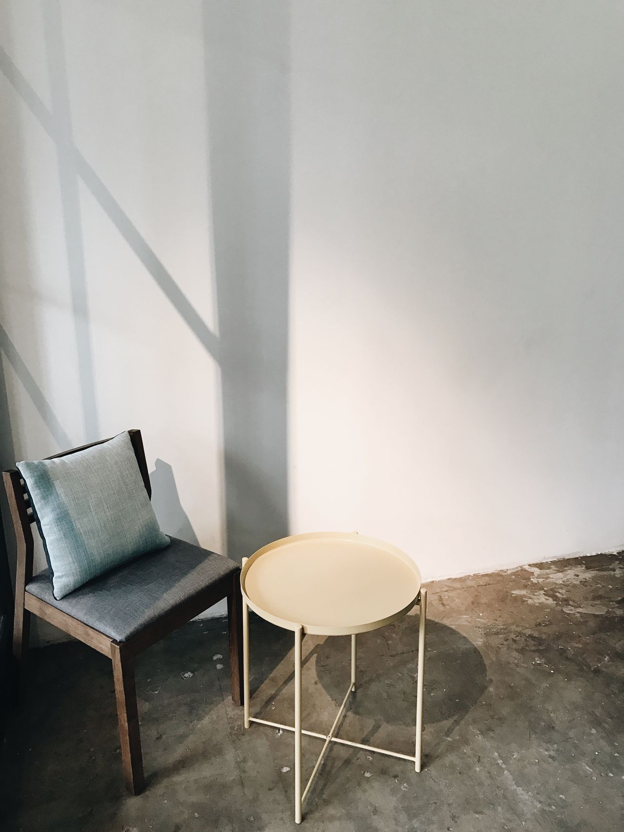 Chair Indoors  No People Table Day Cafe Coffee Shop Daily Light And Shadow