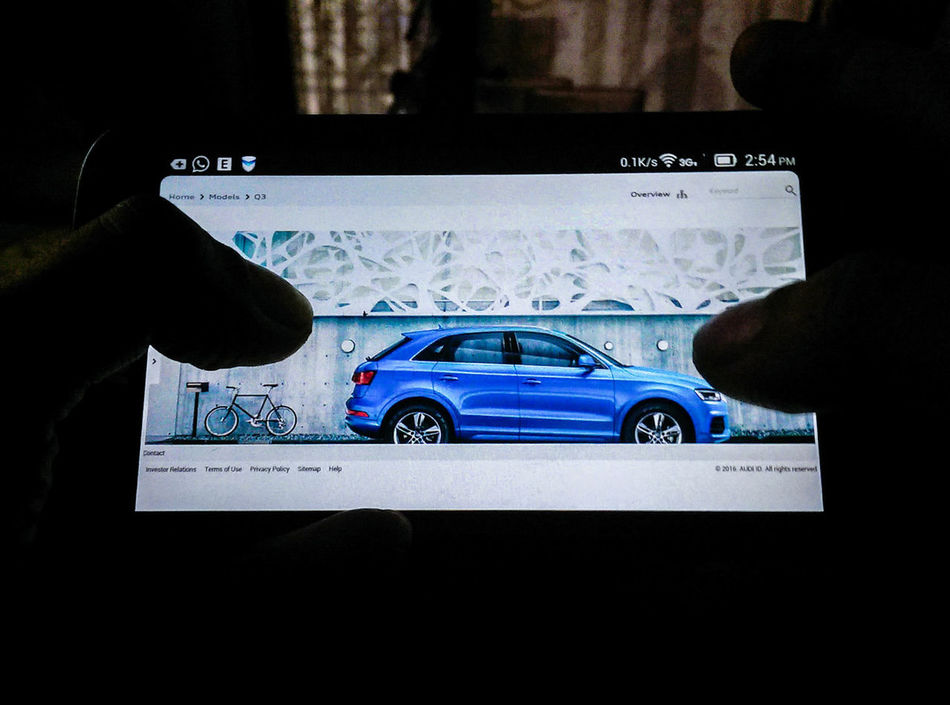 Q quality ride is quattro ... nice suv tho,,, looks strong & powerful,,, Taking Photos Selective Focus The Purist (no Edit, No Filter) Phone Screen ♥ Browsing The Internet Audi Q3 From My Point Of View Mobile Photography Htc One M8 Htcm8 Showcase March Gadget Information Technology