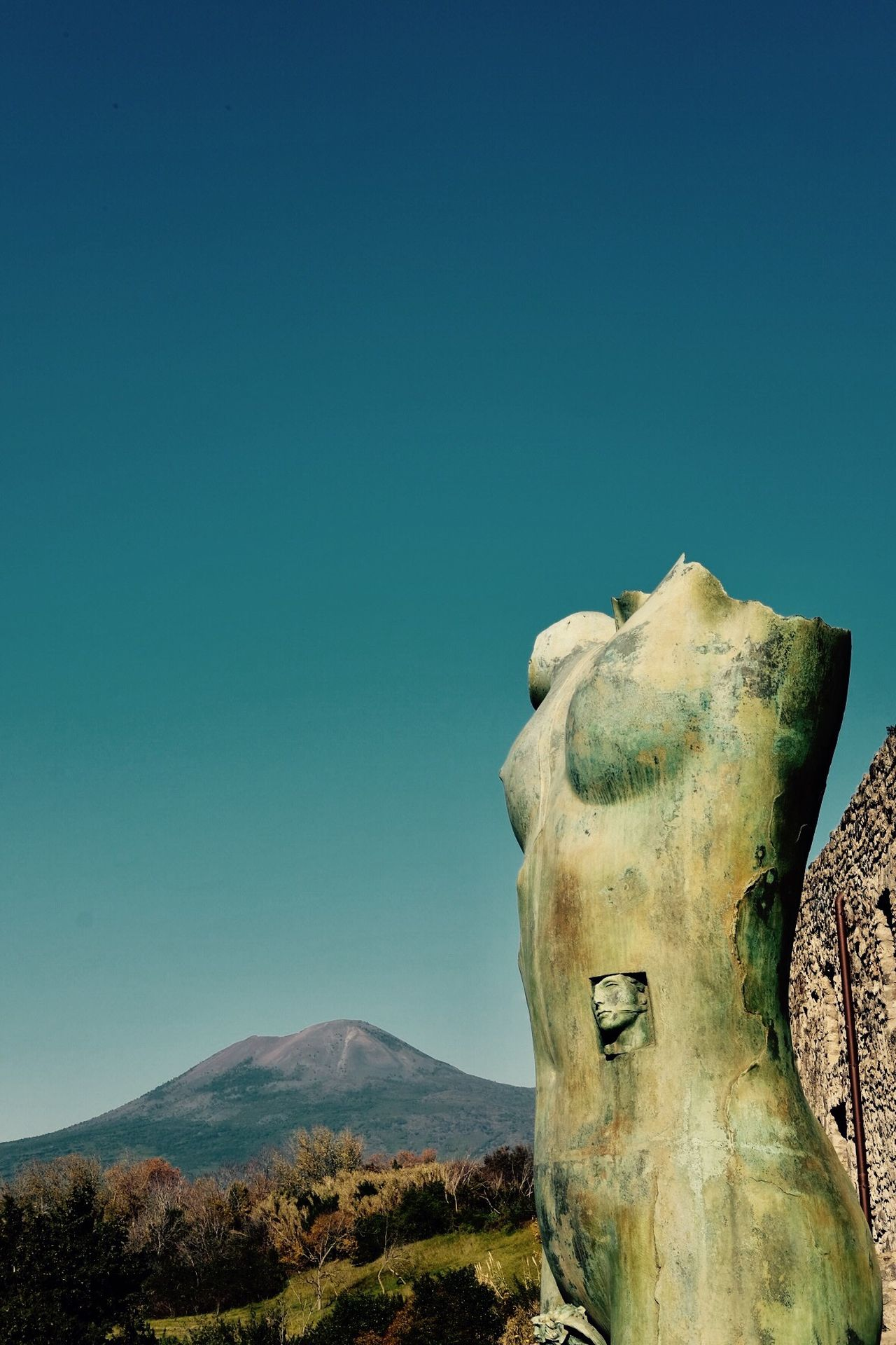 Igor Mitorj at Pompeii nNo PeoplemMountainsScenicssStatuenNatureoOutdoorsdDaysSculpturesSkyTTheMinimals (less Edit Juxt Photography)NNotes From BabylonWWalking AroundFFine Art PhotographyTTaking PhotossShootermag tTravel Destinations