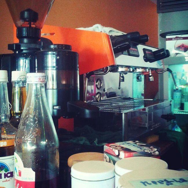 รับกาแฟสด ซักแก้วไหมครับ วันนี้ขอสักวัน MangoCoffee