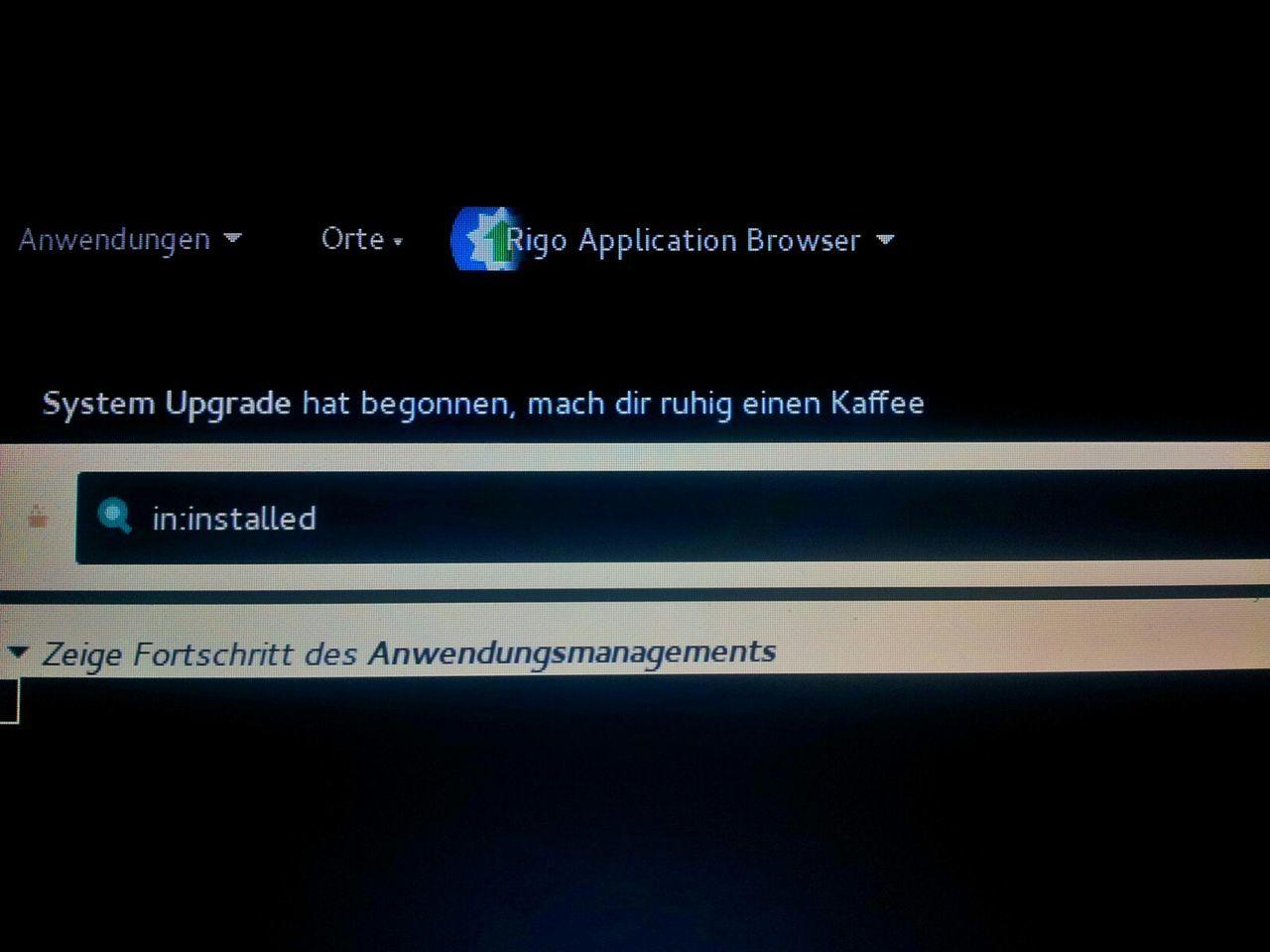 Mein Computer ist ein lieber. Wenn er arbeitet, sagt er mir das. Computer Linux Sabayon Linux Installation System Softwareupdate Sensible Software My Computer Computer Screen Kaffeepause