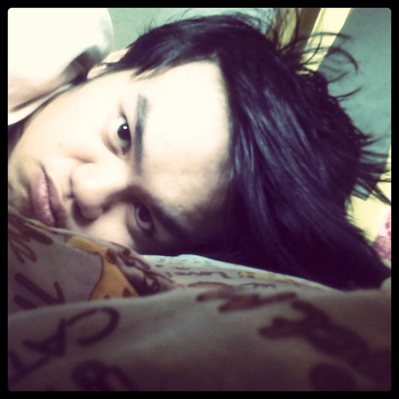Need to take alooot of Vitamins:(((( waaaa... colds and coughs... Rainy Sick Feverish ... GOODMORNING!