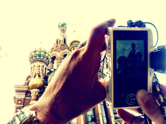 Hanging out at St Petersburg by Yarsu