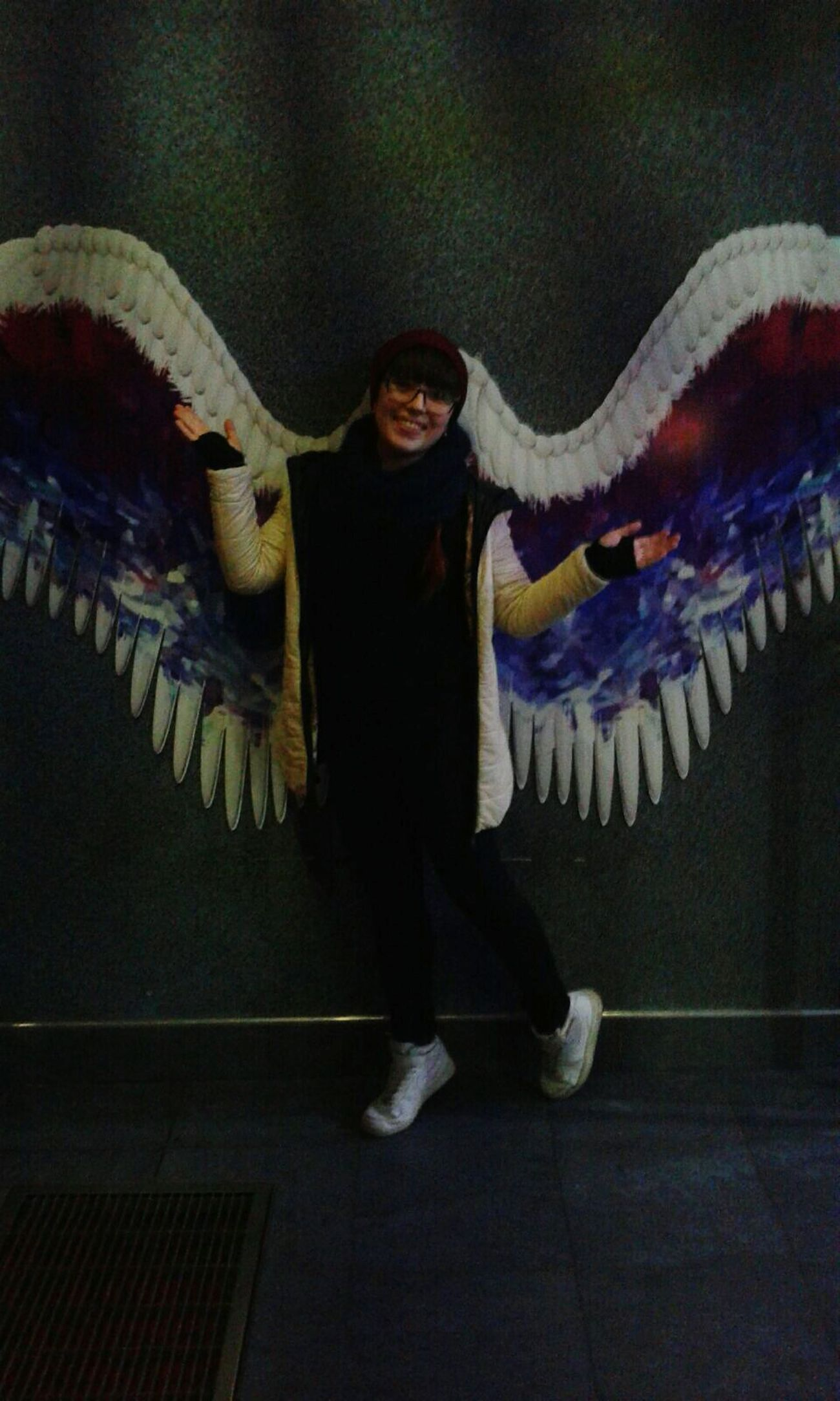 Этот момент, когда ты ростом не вышел...unfortunately, I'm too short to wear such wonderful wings ((( I Am The Mockingjay First Eyeem Photo EyeEm Best Shots Wonderful Day With Amazing Family♡ Hanging Out EyeEmBestPics
