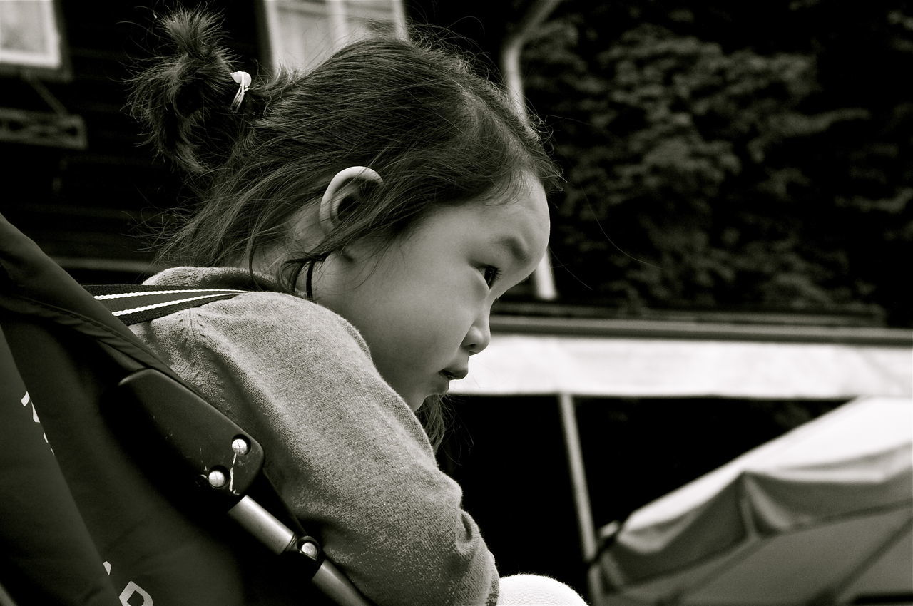 Asian Children Black And White Casual Clothing Children's Portraits Concentration Contemplation Cropped Cute Day Focus On Foreground Funny Headshot Human Face Human Hair Kvission Leisure Activity Lifestyles Look Mónica Nogueira. Oriental Children Family Portrait Profile The Portraitist - 2016 EyeEm Awards The Street Photographer - 2016 EyeEm Awards