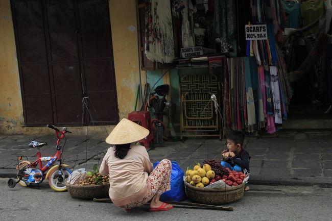Hoi An Non La Street Hawker Streetfood Streetphotography Vietnamese Vietnameseboy Vietnamesefood