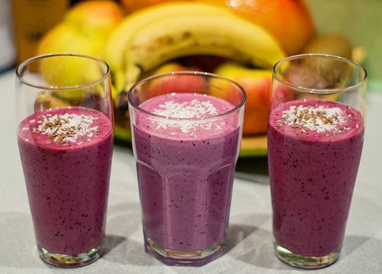 Tego mi było trzeba😊🍇🍌🍓 Shake Koktajl Smoothie Coctail Healthy Drink Bananas Strawberry Owoce Lesné Kokosy Coconut Siemielniane Delicious Freshfruits Yummy With My Boy Poland Monday Fruits Polishgirl Homesweethome Instadrink fithomelikeforlikel4lf4f