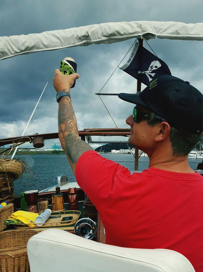 Heading out. Enjoying Life Enjoying The View Tacoma_WA Boatlife Onaboat Flag Boat Ride Lifeonthewater Friendship Cheers!