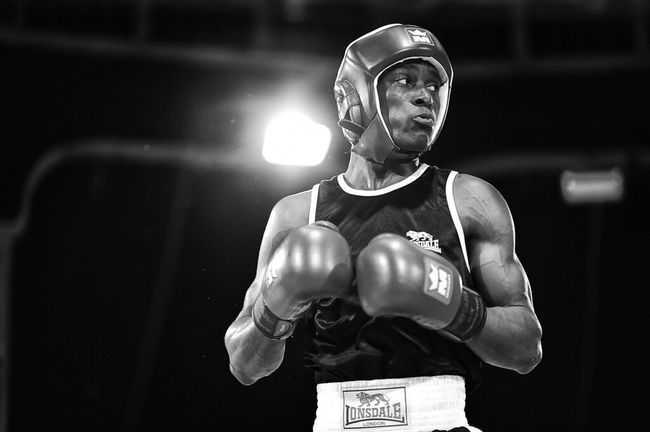 High Level Boxing Glove Men Boxe Boxer Sport Sports Photography Fight Fighting Combat Boxing Black Blackandwhite Photography Black And White Nikon D4S 85mm