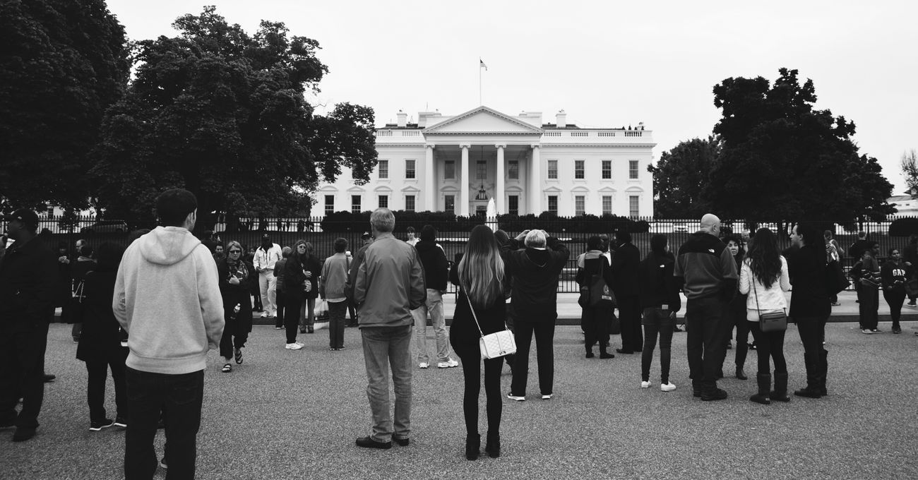 White House Washington, D. C. Government Building People And Places Travel Destinations People Photographing People Black And White Photography People Photography Black And White Collection! Best Eyeem Pics President'shouse Famous Building Famous Place Famous Architecture USA Photos