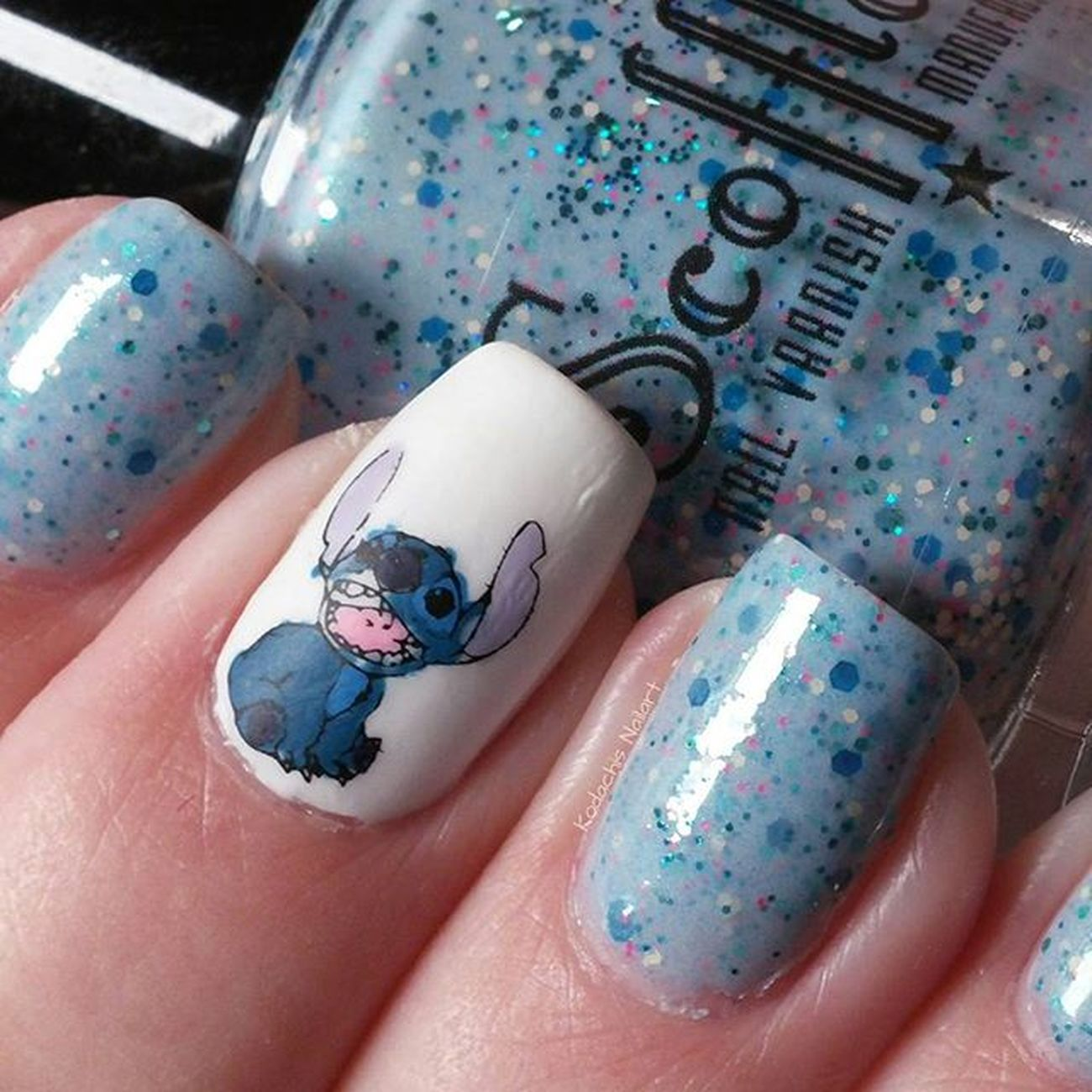 Scofflawvarnish - Fluffy battle bunny und ein Stitch decal aus Essie Farben Notd Itrustindiepolish Essieliebe