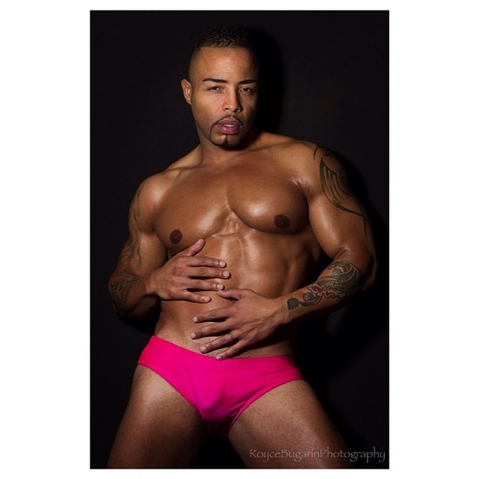 Deewhitt Itsabouttheman Roycebugarinphotography Hotness male malemodel model modeling sexy RealMenWearPink body muscle swimwear pink featuremodel feature @roycebugarin. Check me out in another feature: http://www.itsabouttheman.com/deon-whitter/