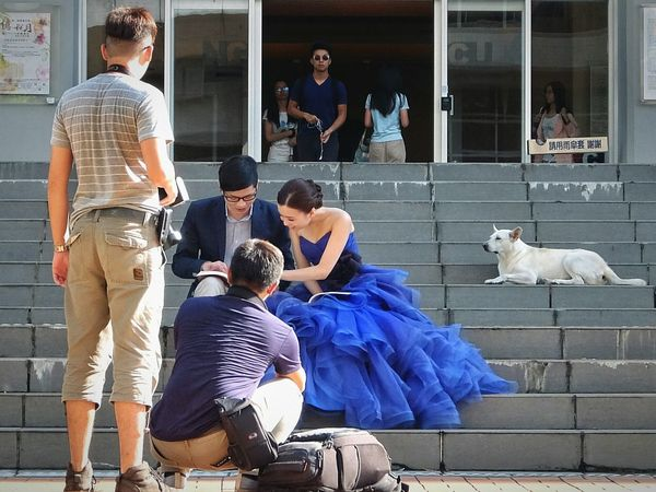 一緒に写る気満々🐶♪である(・・;) Wedding Photography Happy People University Campus Stray Dog Animal Street Photography Untold Stories Snap A Stranger Capture The Moment Wedding People And Places 台灣犬❀小黑zzz… 蔦裊裊 Two Is Better Than One Study Abroad 🌴 at 國立政治大學inTaipei,Taiwan