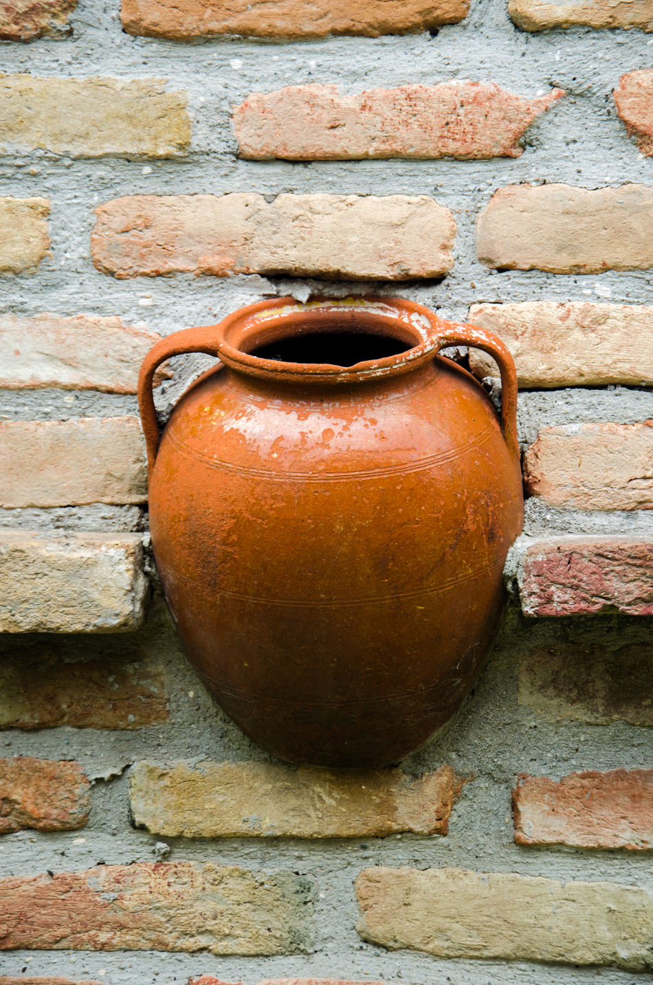 Pivotal IdeasBrick Wall Close-up Cup Day Detail Full Frame Best EyeEm Shot Pottery Old Orange Red Still Life Colour Of Life Showcase August Home Is Where The Art Is EyeEm Best Shots Medieval Architecture Medieval Days Village Villagers Magic Potion