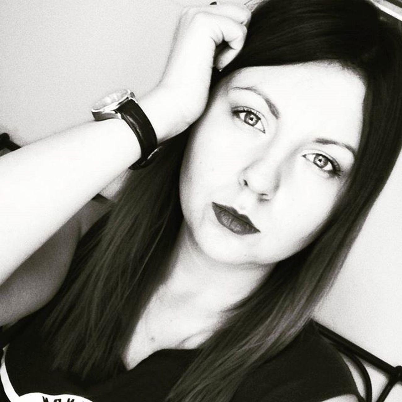 Goodevening  Goodnight Me Blackandwhite Makeup Ombre Polishgirlsdoitbetter Polskadziewczyna Polishgirl Thinking Likeforlike Lfl L4l Like4like Bestoftheday Picoftheday Photooftheday