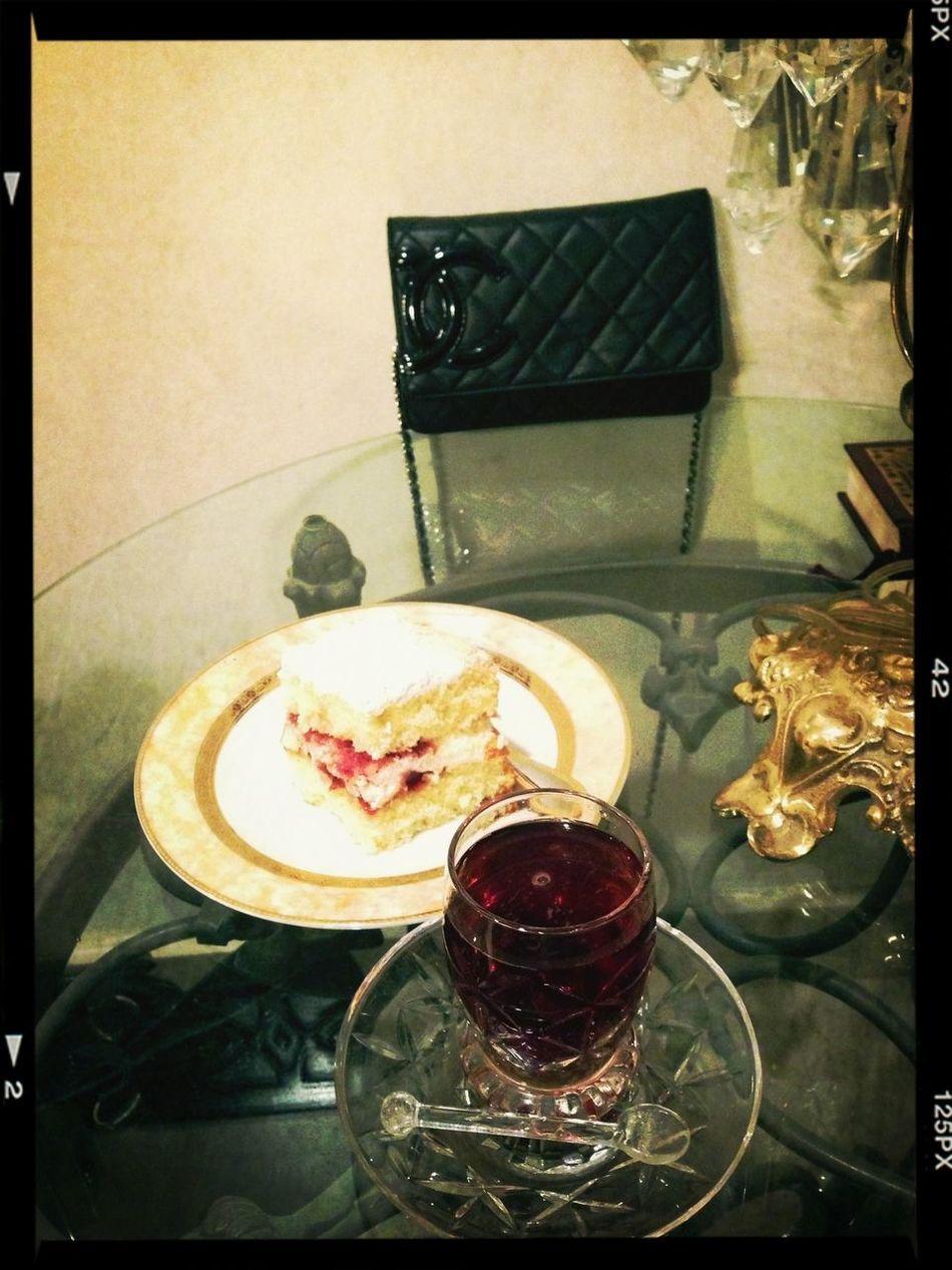Victorian Cake aKuwait i Tea Time ,,, Taking Photos Tea Kuwait