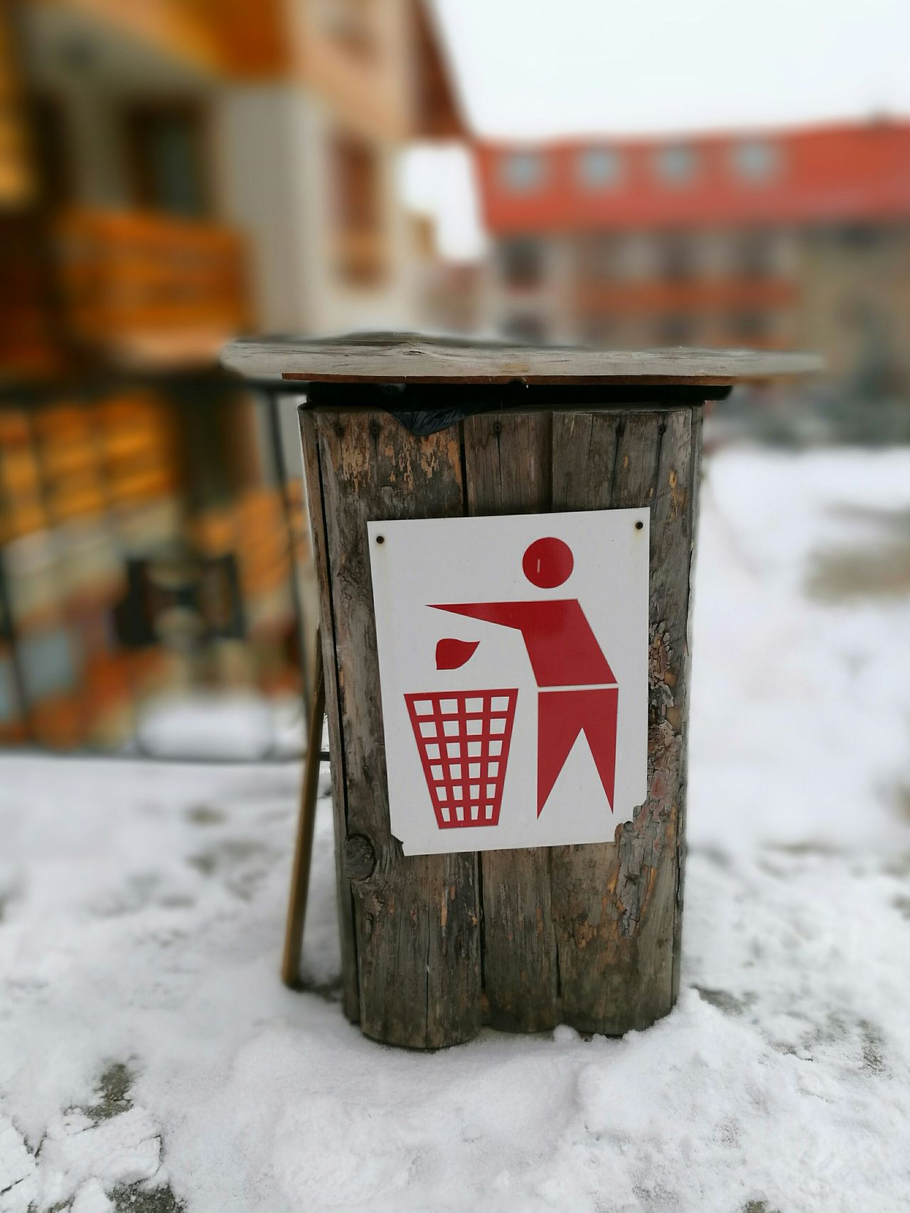 No People Winter Close-up Outdoors Focus On Foreground Snow Day Snowy Snow Covered Snow ❄ Environment Outside Outdoor Photography Nature Wintertime Outdoor Pictures Goodvibes Text Architecture Cold Temperature Garbage Bin Garbage