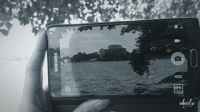 Somethings are better in black and white! Monument Jefferson Memorial Lake Photography Travelphotography Tourism USA Samsung Sightseeing Architecture