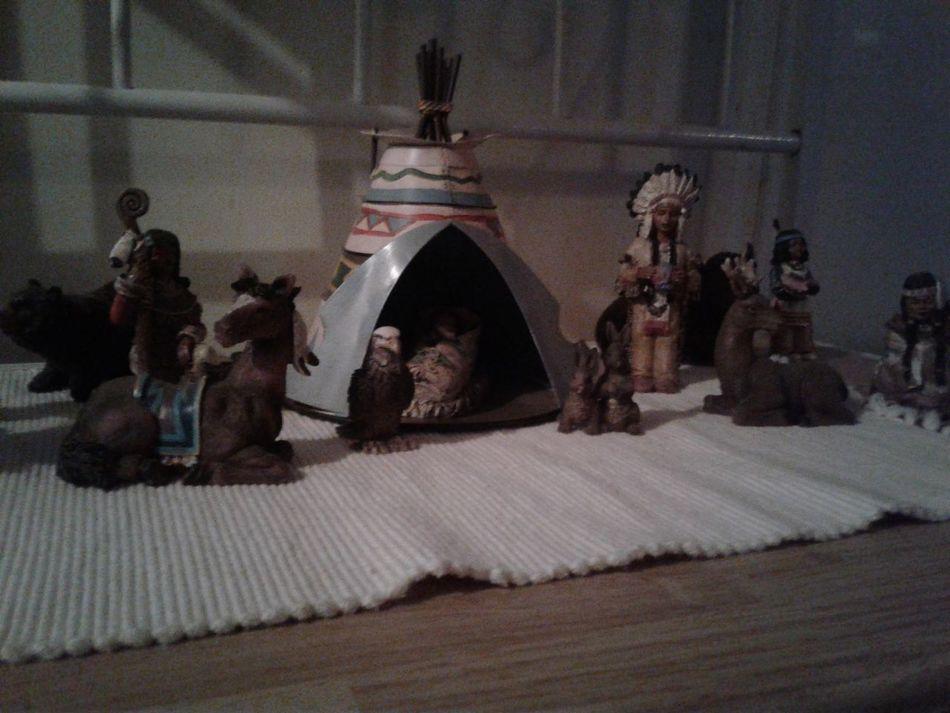 People Indoors  Indians  Tent Sculpture Glass - Material Alabama