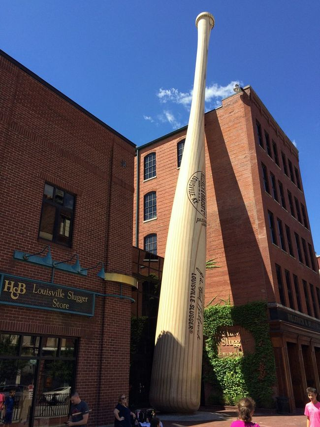 """The """"Ultimate"""" Slugger... 120ft tall, 68,000lbs of carbon steel ... styled after a bat used by Babe Ruth in the 20's, this sculpture rests in front of the Louisville Slugger Museum✨⚾️👌🏽😃 Building Exterior Architecture Built Structure City Low Angle View Outdoors Day Modern Tadaa Community Urban Landscape Sculpture Baseball Urban Exploration Downtown Louisville, Kentucky Summer Memories 🌄 Façade Sky Roadside Attraction Concept Art"""