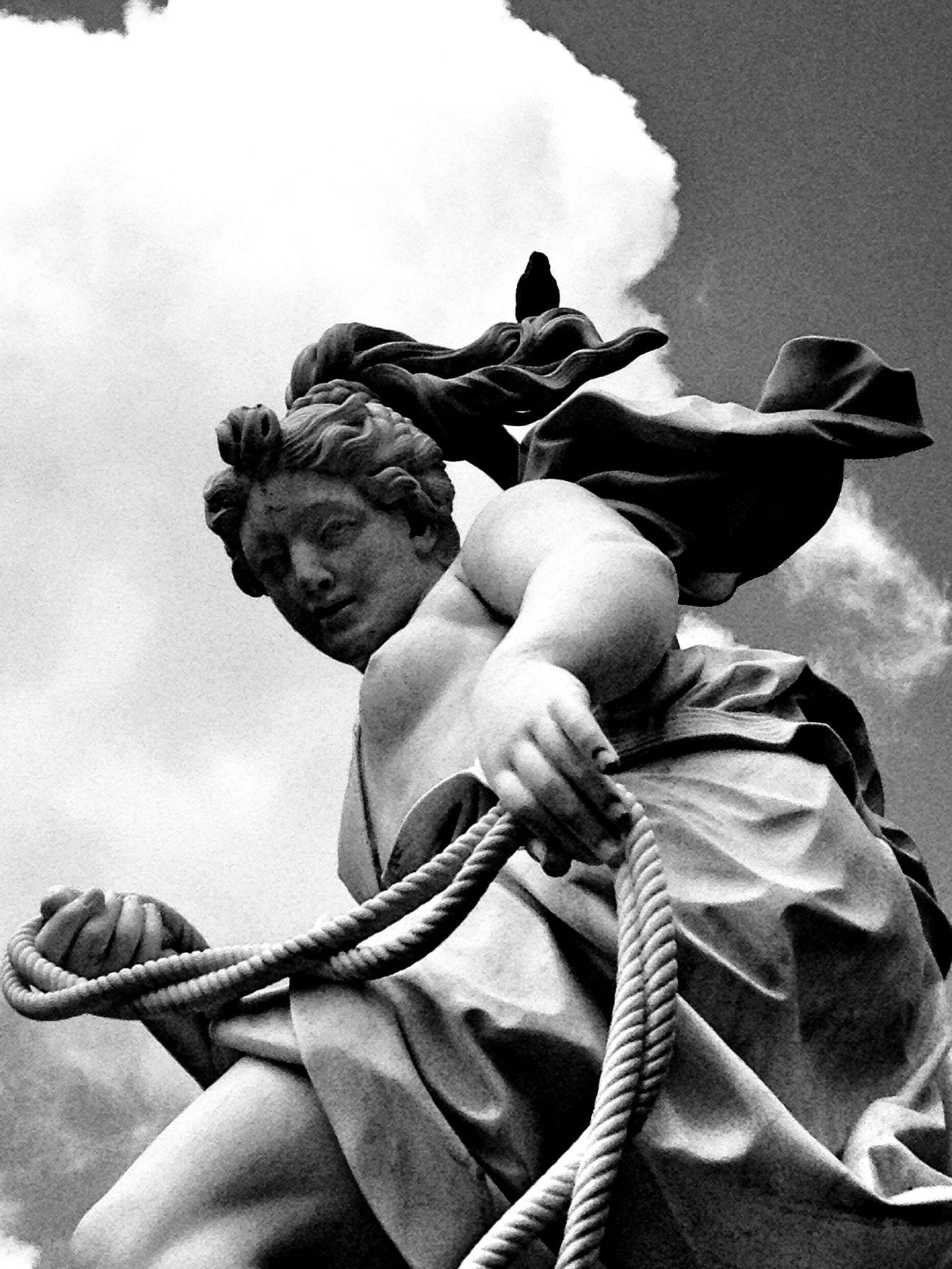 Sans Souci Castle Artemis Diana Statue Blackandwhite Black And White Black & White Streetphotography Streetphoto_bw Postdam
