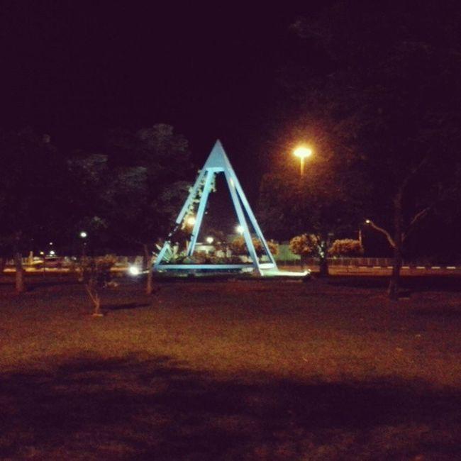 Iluminatis em Boa Vista Iluminatis Piramide Azul PraçaDaPirâmide Boavista Roraima Norte Brasil