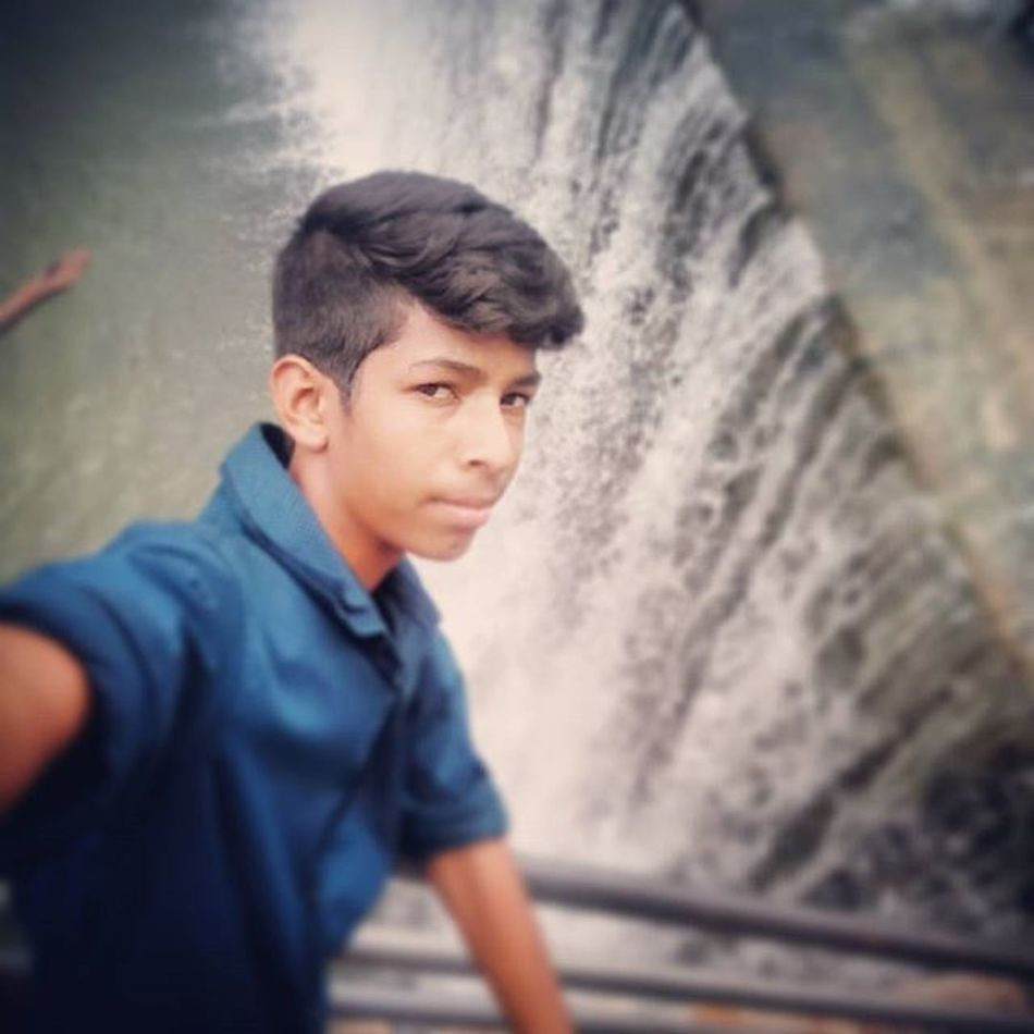 Waterfall_selfiee_random_click Paricha Disclusive Exclusive  Masti Cousins  Instaclick Instagrid Instafollow