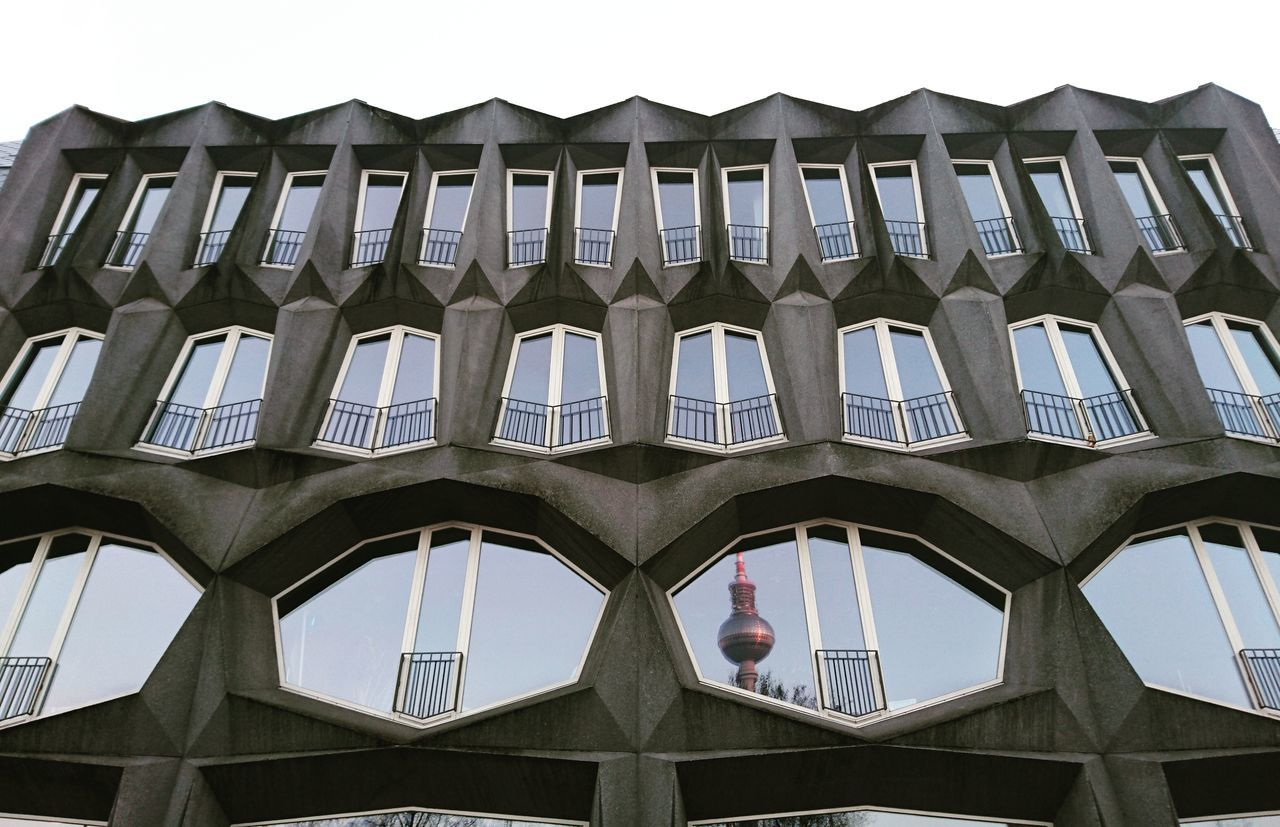 Architecture Built Structure Low Angle View Building Exterior Travel Destinations Cultures Sky City Outdoors Berlincity Berlin Berliner Ansichten Berlin Photography Reflections Reflection Alex Alex Tower Design Architecture_collection Architecturelovers Architecture