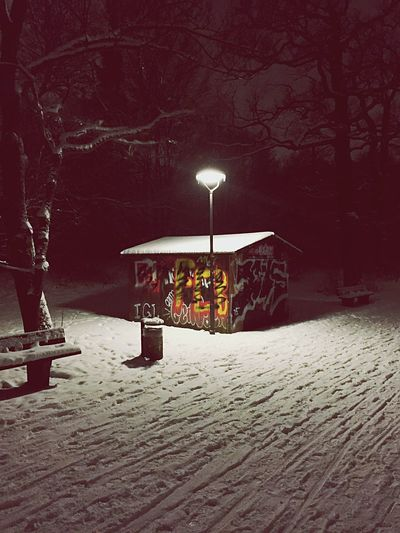 Winter Hut Streetlights Wintertime Urbanexploration Snow Park Parklife