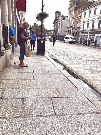 Life Streetphotography Full Length Real People Architecture Building Exterior Casual Clothing Standing City Life People Doing Your Thing Shopping Cobblestone Cobblestone Streets Small City Life City Roads Cornwall