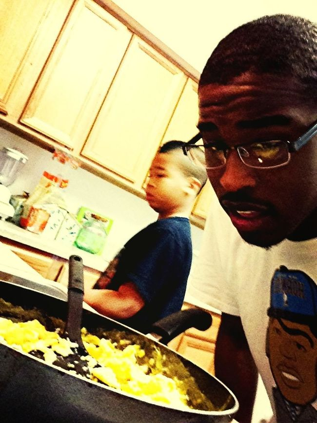 Cookin wit the lil bro this early morning