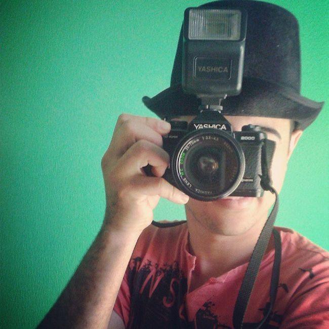 Boy Potographe Criativo Yashicafx3 Cartola Cameras