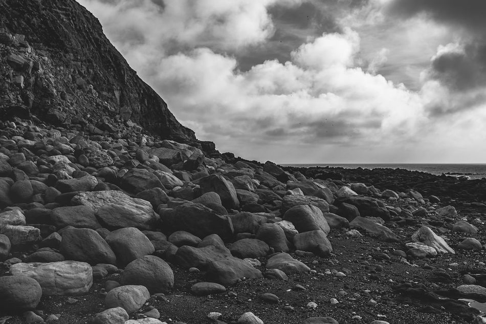 Sky Nature Tranquil Scene Tranquility Beauty In Nature Rock - Object Scenics Pebble Beach No People Water Pebble Day Beach Outdoors Cloud - Sky Black And White Beachy Head Blackandwhite Mountain Beauty In Nature Tranquility Nature