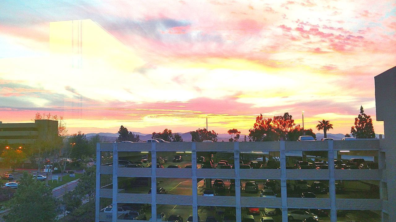 This is the view from my Hospital Room. Beautiful Photograph EyeEm Gallery EyeEmBestPics Showcase March 2017 Popular Photo Sky Sunset Sunlight Outdoors Sunset_collection Sunset And Clouds  Cloud - Sky Bestoftheday Beautiful Colors Of The Sky Sunset_captures Sunset And Clouds  Sunsetphotographs Sunset And Clouds  Scenics Sunset And Clouds  Naturalbeauty Photography Landscapeyin Nature Nature Cloud_collection  Cloudporn Radiant Sky