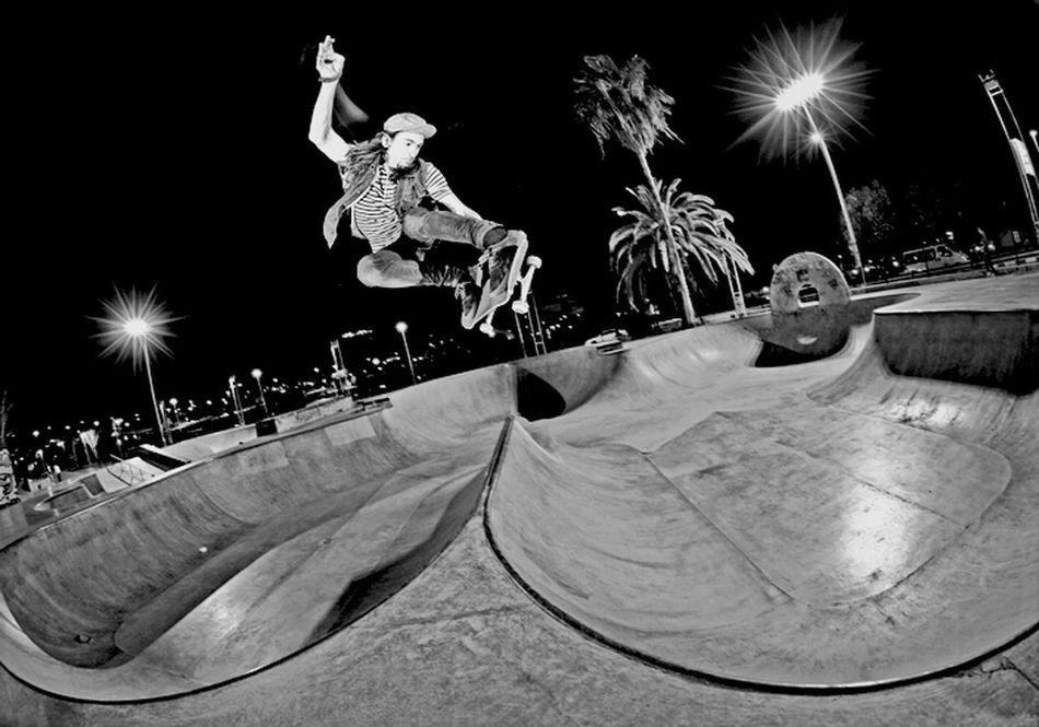 Hanging Out Skateboarding France Taking Photos Rekiem Skateboards Jérémie Plisson Lien Air